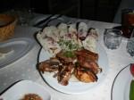 Azeri Lyulya-Kebab: Hammelfrikadellen in Teigfladen und gegrilltes Lamm