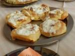 Burek: Blätterteigtasche gefüllt mit Kalb- oder Rinderhackfleisch