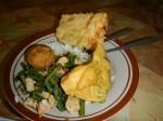 Ayam Kari: Curry Hähnchen mit Tempe und eingelegtem Ei