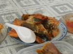 Der Milchfisch ist einer der letzten seiner Gattung, der Chanidae. Der im Pazifik vorkommende Fisch ist sehr zart  und wird in Indonesien als Spezialtät gesehen.