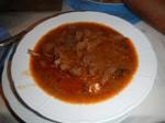 Čobanac: Ein Eintopf mit drei Fleischsorteen, Tomaten, Kartoffeln und Gemüse