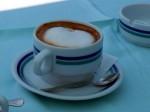 kava s mlijekom: Kaffee mit geschäumter Milch